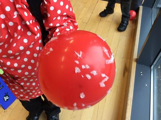 Mushroom balloon - how do mushrooms get their spots?